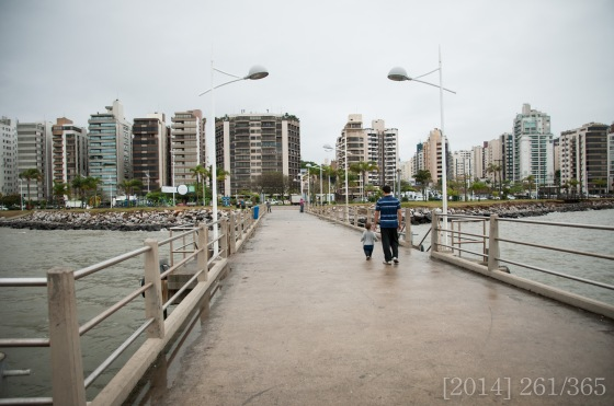 a walk on the pier at Beira-Mar